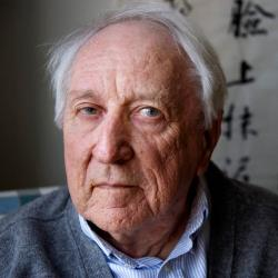 VIDEO: Tranströmer receives his Nobel, amid music and lobster