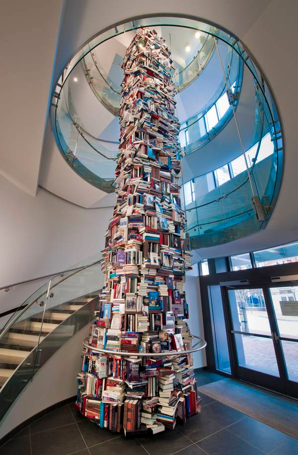 SLIDESHOW: A tower of 6,800 Abraham Lincoln books