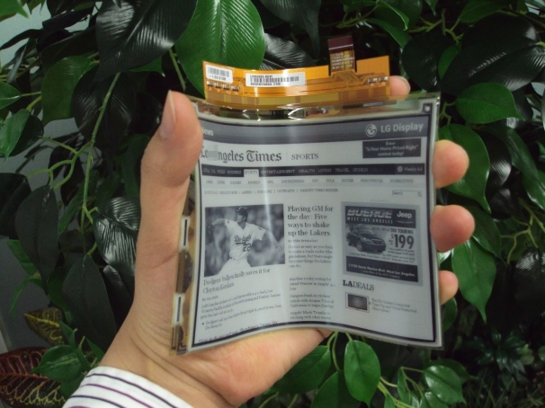 LG to release flexible eInk display