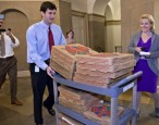 Pizza expert searches for box that is said to have prevented government shutdown