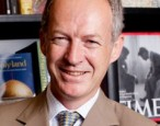"""We are committed to the idea that book shops matter"": James Daunt criticises and defends Waterstones"