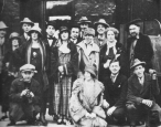 Mina Loy and her crowd in Paris