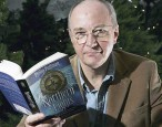 Philip Pullman quits UK literary festival over its refusal to pay authors