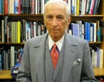 Gay Talese can't name any female writers that inspire him; claims he's just too old