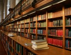 Writers and activists urge new UK culture secretary to make libraries a priority