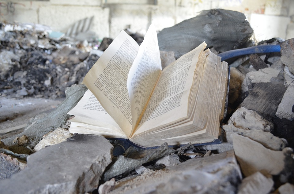 Garbage collectors in Turkey have opened a library of abandoned books