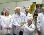 """""""Civilization backup"""" on its way to the moon"""