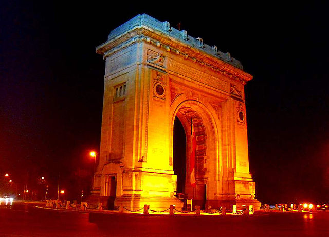 Bucharest opens Arcul de Triumf to visitors for World Book Night