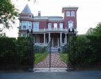 Stephen King's mansion is becoming a writer's retreat