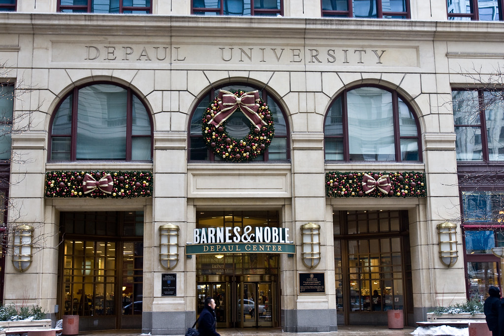 Barnes & Noble sits out busy holiday shopping season